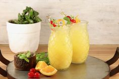 Pineapple Screwdriver cocktails are super simple to make! Easy to mix up by the glass or the pitcher with pineapple juice, orange juice and vodka. Orange Juice Cocktails, Orange Juice And Vodka, Fruity Cocktails, Cocktail Desserts, Frozen Cocktails, Cocktail Recipes, Easy Cocktails, Cocktail Drinks, Paloma Cocktail