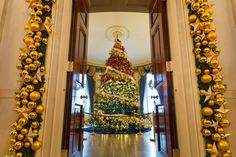 Inside the 2015 White House Christmas Decorations Created by FLOTUS's Favorite Planner, Bryan Rafanelli