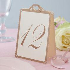 """Süße Tischnummern """"Herzen"""" in creme-gold zum Aufstellen, für die Sitzordnung Ihrer Hochzeitsfeier"""