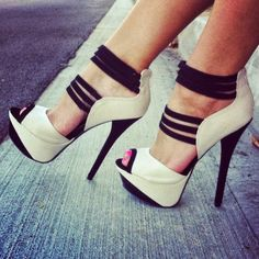 Gorgeous strappy snaky platform heels latest fashion