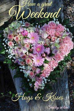 Floral heart wreath from beautiful flowers. Deco Floral, Arte Floral, Creative Flower Arrangements, Floral Arrangements, Pretty In Pink, Beautiful Flowers, Simply Beautiful, Beautiful Hearts, Beautiful Gorgeous