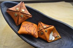 leather coin pouch - orikawa guggenvita