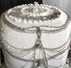 Platinum Cake - one of the world's most expensive desserts