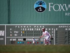 Fans Show Up, but Eagles Fall at Fenway in ALS Awareness Game - The Heights Fsu Baseball, Boston College, Fenway Park, Show Up, Eagles, In The Heights, Fans, Florida, Eagle