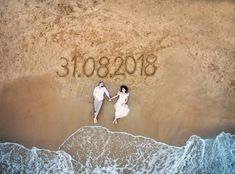 10 Awesome, Creative and Memorable Wedding Guest Book Ideas is part of Beach wedding photos One of the most important thing at the advent of married life is the blessings and good words bestowed upo - Pre Wedding Shoot Ideas, Pre Wedding Poses, Wedding Couple Poses Photography, Couple Photoshoot Poses, Indian Wedding Photography, Pre Wedding Photoshoot, Wedding Couples, Wedding Bride, Wedding Dress