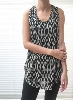 New with tags-H&M- Vest- Size UK M- Black & White