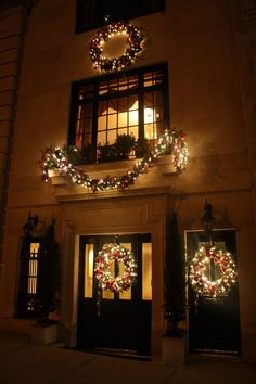 Outdoor Lighted Christmas Greenery - Pretty