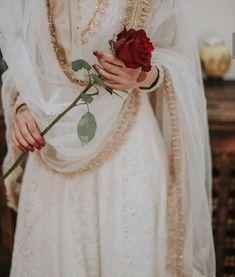 they-called-me-the-hyacinth-girl:Roman de la Rose upon your return. Nikkah Dress, Pakistani Bridal Dresses, Pakistani Outfits, Mehendi Outfits, Girl Photography Poses, Wedding Photography, Creative Photography, Fashion Photography, Indian Aesthetic