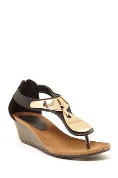 d8bc52d35 Bandolino Positive Low Wedge Sandals