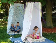 These Hula Hoop Hideout's are perfect for picnics, reading nooks and imaginative play! You'll love this fun DIY.