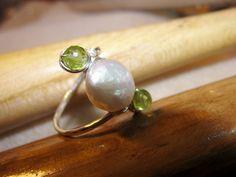 pearl and peridot  handmade silver ring