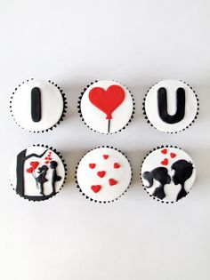 Surprise your loved ones with the Love Cupcakes! Or Don't forget these Anniversary Cupcakes to fill extra amount of love in your celebration. Fill your celebration in one of these amazing cupcake designs that you will surely adore! Fondant Toppers, Fondant Cupcakes, Cookies Cupcake, Cute Cupcakes, Pink Cupcakes, Valentines Day Cookies, Valentine Cookies, Love Valentines, Cupcakes Design