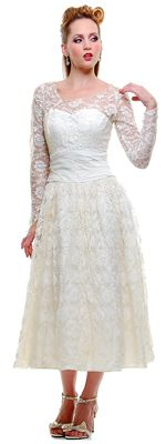 Vintage Grace Kelly-inspired dress. I'm not sure I love it, but I'm definitely drawn to it.