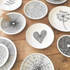 That moment when old meets new design... and all you can do is smile  #lovewhatido #ceramics #natural #drawing #pattern #surfacedesign #design #dessin #art #artwork #artist #illustration #ink #plates #designer #onthetable #foodie #create #creative #handpainted #blackandwhite #interior #interiordesign #interiordecor #decor #decoration #interieur #styling #wall #handmade