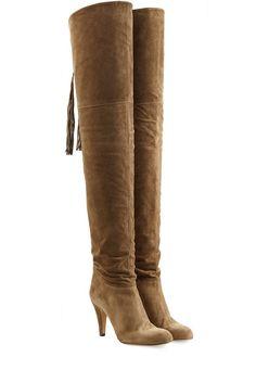 #Chloé #Overknees aus #Veloursleder #, #Braun für #Damen - Eins beherrschen die braunen Overknees aus Veloursleder von Chloé aus dem Effeff: den Seventies > Chic!  >  Braunes Veloursleder, runde Zehenkappe, auf der Rückseite Schnürung mit Fransenquaste  >  Innen >  und Laufsohle aus Leder, Stiletto > Heel  >  Stylen wir mit einem Strick > Dress oder einem Flared > Skirt und einer Bluse