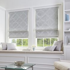 3 Cheap And Easy Cool Tips: Living Room Remodel Ideas Tips livingroom remodel pictures.Living Room Remodel Before And After Crown Moldings small living room remodel tiny house.Living Room Remodel Before And After Benjamin Moore. Bedroom Windows, Living Room Windows, Blinds For Windows, Blinds Design, Window Design, Home Renovation, Kitchen Renovations, Cordless Roman Shades, Store Bateau