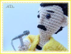 Creando Mingumios de esos....: FREDDIE MERCURY Amigurumi Free, Amigurumi Tutorial, Amigurumi Doll, Crochet Toys Patterns, Stuffed Toys Patterns, Knitting Patterns, Freedy Mercury, Crochet Baby, Free Pattern