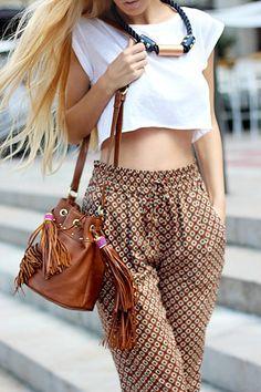 Crop top + Pantalon bombacho estampado