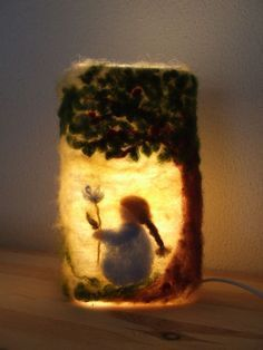 Lampje met wol. Such a great idea...needle felted lamp.