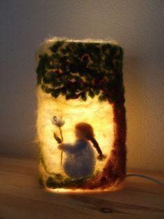 Lampje met wol. Such a great idea...needle felted lamp.