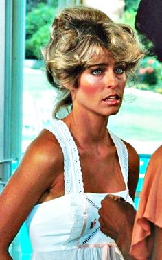 Farrah Fawcett-Majors starred as private investigator Jill Munroe in the first season of the television series Charlie's Angels (1976–77).
