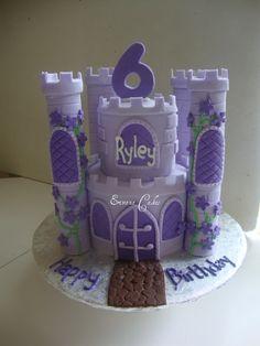Castle cake by Erivana Cakes