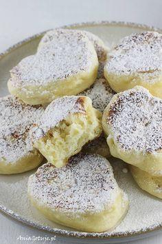 Racuchy drożdżowe tradycyjne, 7 Polish Recipes, Polish Food, I Love Food, Doughnut, Camembert Cheese, Sweet Tooth, French Toast, Vegan Recipes, Diet