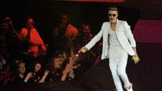 LONDON - Justin Bieber was rushed to a hospital after his performance in London.  The singer allegedly had breathing difficulties and collapsed backstage after the show.      The 19 year old was given oxygen and a resident doctor told Justin he should go to ...
