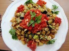 Şakşuka Tarifi | Nefis Yemek Tarifi (sosu farklı bişey galiba)