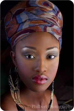 I love this headwrap. The inclusion of more Afrocentric wear is on my Fashion To Do List!!!