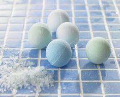 Make Your Own Fizzy Bath Bomb Balls