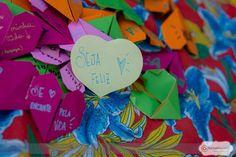 """O projeto 'Doe Sentimentos' nasceu de uma preocupação com a escassez da palavra """"gentileza"""" no cotidiano das grandes cidades. Neste ano, o grupo promove mais uma grande ação de envolvimento e afeto nos dias 14 e 15 de novembro, em comemoração ao Dia Mundial da Gentileza (13 /11)."""
