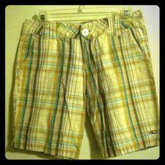 O'Neill Bermuda Plaid Shorts Size 3