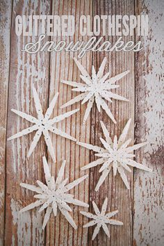 Best DIY Snowflake Decorations, Ornaments and Crafts - Glittered Clothespin Snowflakes - Paper Crafts with Snowflakes, Pipe Cleaner Projects, Mason Jars and Dollar Store Ideas - Easy DIY Ideas to Decorate for Winter - Creative Home Decor and Room Decorati Christmas Snowflakes, Diy Christmas Ornaments, Homemade Christmas, Rustic Christmas, Christmas Projects, Holiday Crafts, Diy Snowflakes, Snowflake Craft, Snowflake Ornaments