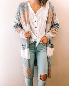 #jeans #buttons #buttondown #sweater #outfit #ootd #simple #style #fashion #clothing #clothes Striped Cardigan, Long Cardigan, Cute Cardigan Outfits, Dress Outfits, Cute Cardigans, Sweaters, Winter Clothes, Fall Winter Outfits, Autumn Winter Fashion