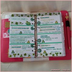 Decoration week 9 - 2015 in my WebsterPages Planner Dark Pink.  It turned out in a different week than planned.  My Father in law died....