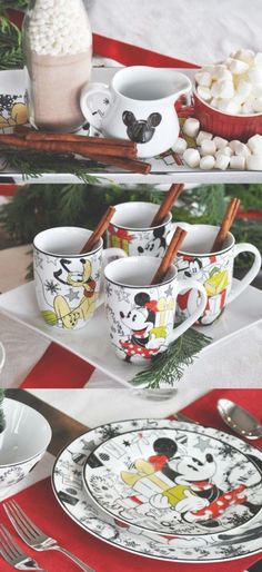 New Disney Mickey Mouse Cookie Cutter HOLIDAY PLATE Spatula /& cookie mix Nib