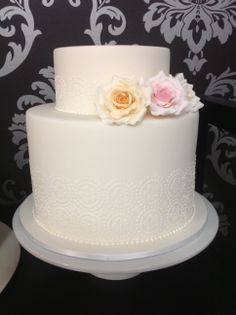 Vintage themed Wedding cake with lace design