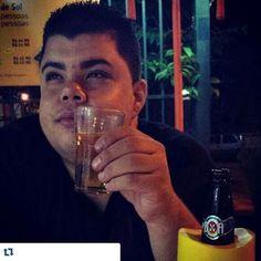 Abrindo a nossa amada e esperada sexta feira com a foto dos nossos seguidores...aaaaoooo meu povooo bora beber. @joelarrudamartins  #pingabruta #butecandoporai #sertanejopub #pingaporca #butecodoinsta #boanoite  #brutasebrutos #bruto #brutamemo #bruta #indiretasbrutas #cachaça #cachaceiro #pingaiada  #fimdesemana #amigos #toruim #ressaca #indiretasbrutas #xucromemo #butecosgrill #cerveja #wisky #vodka #skol #bebemorar #vemnimim #aguadebar #borabeber #vidadificil