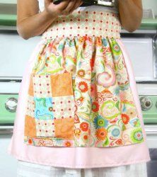 Retro Apron - Use an upcycled pillowcase to create the Retro Apron. If you're looking for easy aprons to sew, you've found the right apron sewing pattern. Follow these directions and create a lovely apron to match your kitchen decor.