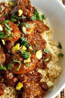 Dinner in Marrakesh Apricot Lamb Tagine: This North African stew is named for the traditional dish it is cooked in. A tagine is a clay pot that consists of a shallow round base and… Meat Recipes, Indian Food Recipes, Dinner Recipes, Cooking Recipes, Slow Cooker Lamb Recipes, Healthy Lamb Recipes, Ground Lamb Recipes, Recipies, Paleo Food
