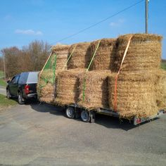 Carrying 2.8 tons of Straw for the Horse Club