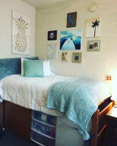 Tips and tricks dorm room organization storage ideas on a budget (4)