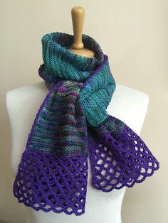 Merino garter scarf, with chain stitch edging
