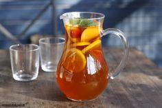 Sitruuna-persikkajäätee / Voisilmäpeliä