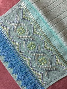 1 million+ Stunning Free Images to Use Anywhere Bargello Quilts, Hand Embroidery Videos, Embroidery Patterns, Free To Use Images, Ornaments Design, Fabric Art, Ravelry, Sewing Projects, Hand Embroidery