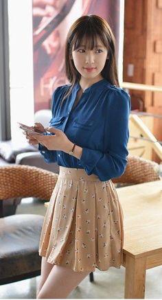 Korean Fashion – How to Dress up Korean Style – Designer Fashion Tips Cute Fashion, Girl Fashion, Fashion Dresses, Womens Fashion, Pretty Asian, Beautiful Asian Girls, Japanese Fashion, Asian Fashion, Look Girl