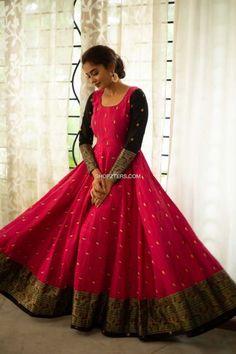 Party Wear Indian Dresses, Indian Gowns Dresses, Indian Fashion Dresses, Stylish Dresses For Girls, Frocks For Girls, Designer Anarkali Dresses, Designer Dresses, Frock Photos, Long Gown Design
