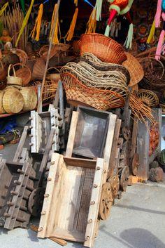 Una forma de explorar las #tradiciones más arraigadas de México es a través de las formas de expresión artesanal en cada uno de los rincones que conforman su territorio. En #Guanajuato, por ejemplo, ¡te sorprenderá el talento y habilidad de sus artesanos! No dejes de visitar este bonito destino: http://www.bestday.com.mx/Guanajuato/ReservaHoteles/