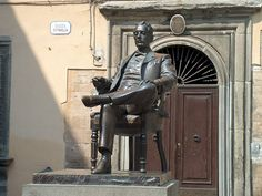 Statue of Puccini in #Lucca #Tuscany